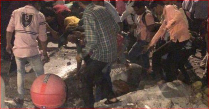મુંબઈમાં સીએસટી રેલવે સ્ટેશન નજીક ફૂટઓવર બ્રિજ ધરાશાયી થતા 6ના મોત, 36 ઘાયલ જવાબદાર કોણ?