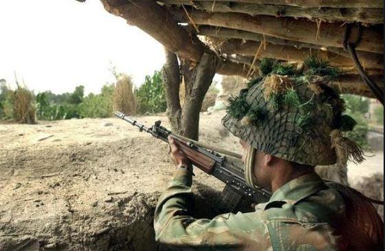 બોર્ડર પર ફરીથી વધી હલચલ, પાકિસ્તાને અંકુશ રેખા-પંજાબ સુધી વધારી સૈન્ય તેનાતી
