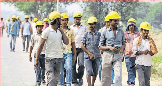 મોદી સરકારમાં સતત ઘટી રહી છે પુરુષ કામદારોની સંખ્યા, રોકવામાં આવેલા NSSOના આંકડાઓથી ખુલાસો