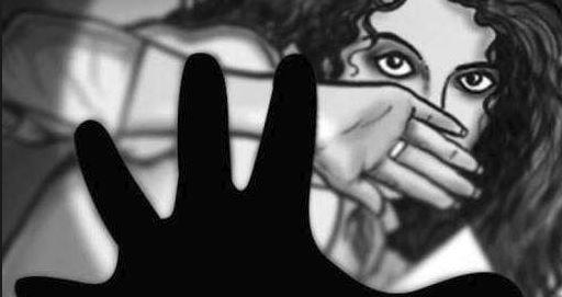 નવી ઓફિસરે યુવતીને પ્રેમજાળમાં ફસાવી બળાત્કાર ગુજાર્યાનો આક્ષેપ
