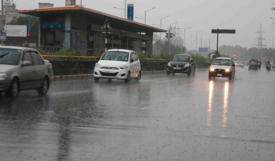 ગુજરાતમાં વરસાદી માહોલઃ અમદાવાદમાં ધોધમાર વરસાદ