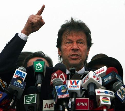 પાકિસ્તાન રેડિયો પોતાના જ પીએમને નથી ઓળખતોઃ-કોઈ બીજા ઈમરાનને ટેગ કર્યા