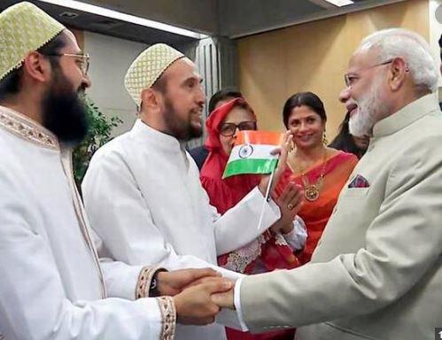 ફ્રાંસમાં ગુજરાતી મુસ્લિમોએ કર્યું PM મોદીનું સ્વાગત, પાકિસ્તાને આ રીતે ચીડાઇને ટ્વીટર પર કાઢી ભડાશ, મળ્યો કરારો જવાબ