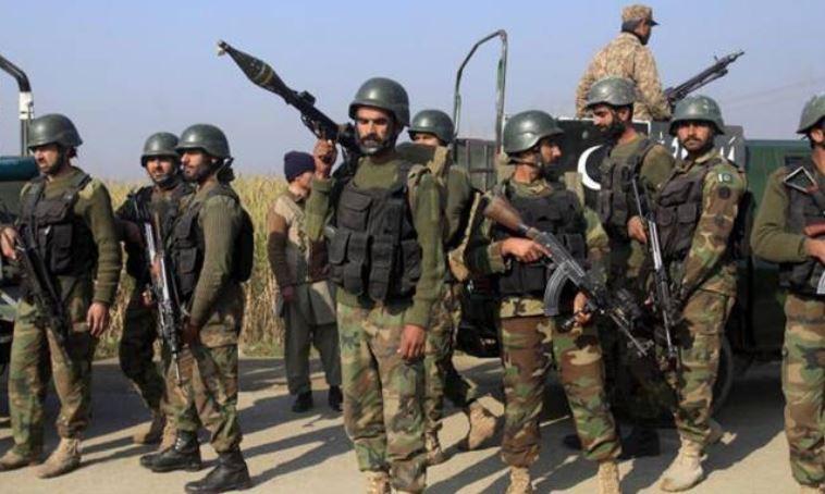 પાકિસ્તાને સરહદે વધાર્યા સૈનિકો, તેનાત કરી તોપો