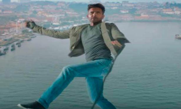 ખતરનાક સ્ટંટથી ભરપુર ફિલ્મ 'વૉર'ના એક સીન માટે રીતિક રોશને 300 ફૂટ ઊંચાઈએથી છલાંગ લગાવી