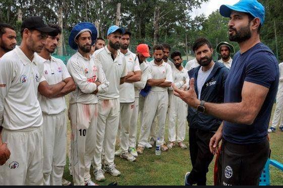 જમ્મુ-કાશ્મીરના ક્રિકેટ ખેલાડીઓને ગુજરાત મોકલવામાં આવ્યાઃઈરફાન પઠાન આપી રહ્યા છે ટ્રેનિંગ