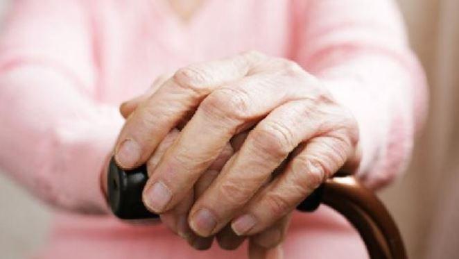 વૃદ્ધોની વધારે સંખ્યા સમાજને બનાવે છે ધાર્મિક : રિસર્ચ