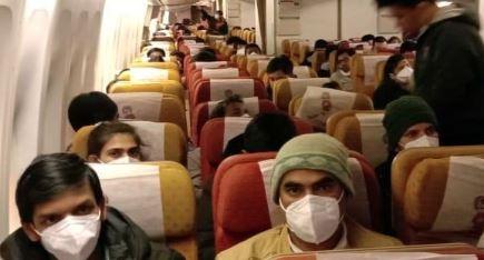 એર ઈન્ડિયાની ફ્લાઈટમાં કુલ 324 ભારતીયોને વુહાનથી દિલ્હી લાવવામાં આવ્યા