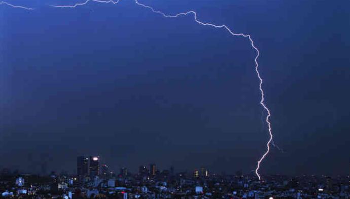 બ્રાઝિલમાં થયો વિશ્વવિક્રમ: 700 કિલોમીટર લાંબો વીજળીનો શેરડો નોંધાયો
