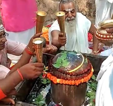 રામજન્મભૂમિ પરિસરમાં સ્થિત કુબેરેશ્વર શિવલિંગનો  28 વર્ષ બાદ રૂદ્રાભિષેક- થોડા સમયમાં જ થશે રામમંદિરનું નિર્માણ-મહંત કમલ નયન