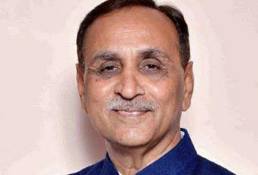 ગુજરાતમાં વાવાઝોડુ ત્રાટકવાની શક્યતા- મુખ્યમંત્રીએ બેઠક યોજી પરિસ્થિને પહોંચી વળવાની કરી તૈયારીઓ