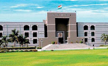 ગુજરાત હાઇકોર્ટમાં 4 દિવસનું લોકડાઉન, કામગીરી રહેશે બંધ, સ્ટાફનો એન્ટિજન ટેસ્ટ કરાશે