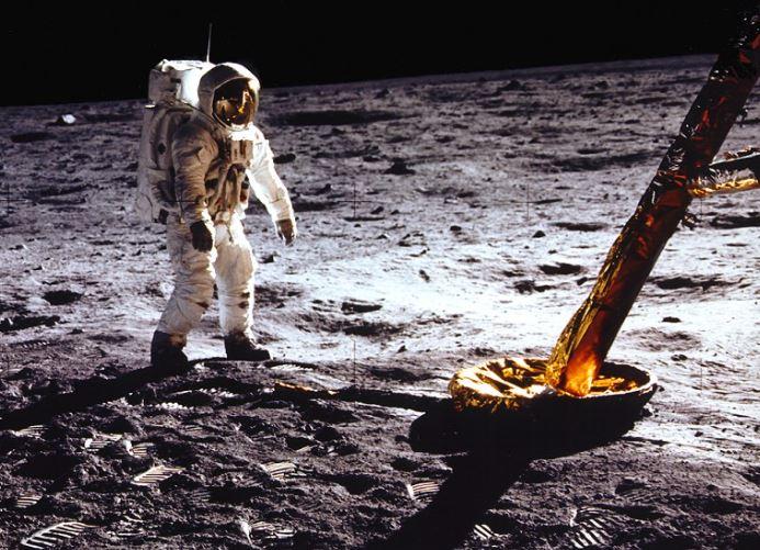 NASAનું Moon Mission: વર્ષ 2024માં ચંદ્ર પર પ્રથમવાર મહિલા ડગ માંડશે, મિશન પાછળ 2 લાખ કરોડનો થશે ખર્ચ