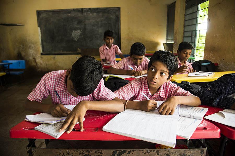 દેશમાં સ્કૂલો-કોલેજોને ખોલવાને લઇને સરકારે માર્ગદર્શિકા જાહેર કરી