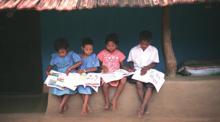 બનાસકાંઠાના પારપડા ગામમાં વિદ્યાર્થીઓના શિક્ષણ મુદ્દે શિક્ષકોનો નવતર પ્રયોગ, લાઉડસ્પીકરથી કરાવે છે અભ્યાસ