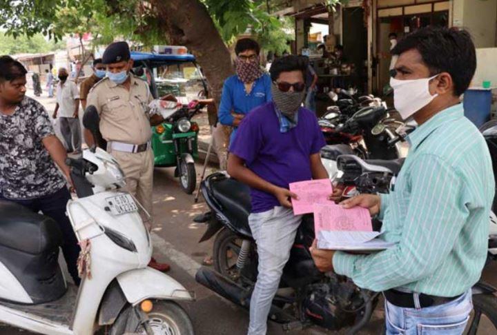 લાપરવાહ ગુજરાતીઓ: માસ્ક ના પહેરીને, નિયમો તોડીને સરકારમાં ભર્યો 60 કરોડનો દંડ