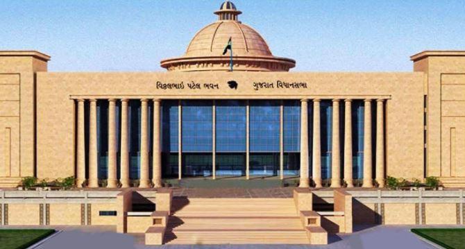 ગુજરાત વિધાનસભા પેટાચૂંટણી: 135 ઉમેદવારોએ ભર્યા ફોર્મ, જાણો કોણે કોણે નોંધાવી ઉમેદવારી