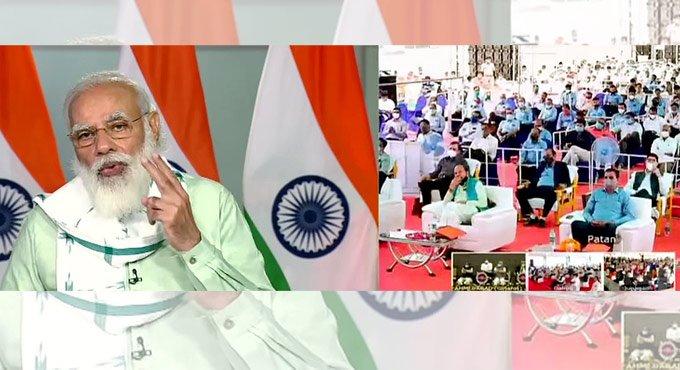 Modi Inaugurates Three Projects in Gujarat