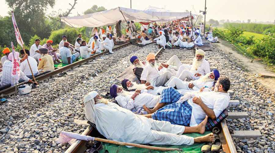 1987 passenger trains and 3090 goods train cancelled due to Punjab farmers' protests: Railways