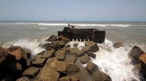 ચક્રવાત વાવાઝોડું 'નિવાર' તામિલનાડુ દરિયાઈ કાંઠાઓ પર આગળ વધતા નાગાપટ્ટીનમ અને કરાઈકલ વિસ્તારોમાં એલર્ટ જારી