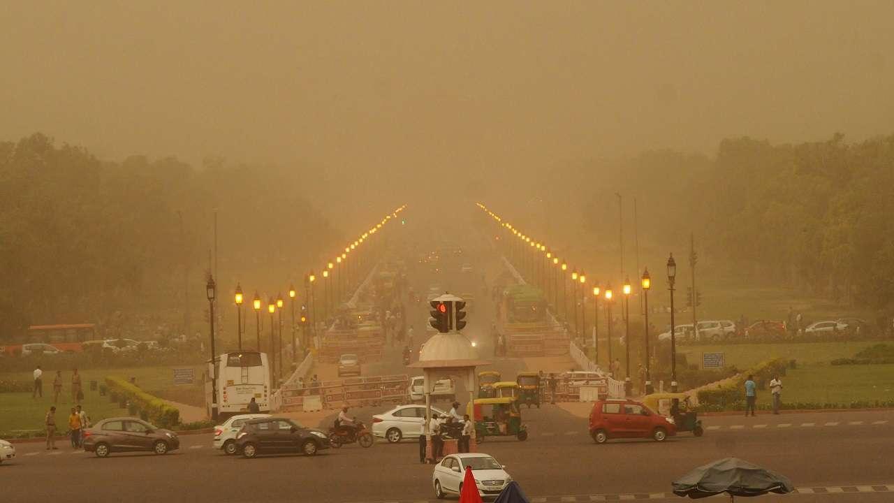 દિલ્હીમાં આજે હવાનું સ્તર 'ખૂબ જ ખરાબ' : શ્વાસ લેવો બન્યો મુશ્કેલ
