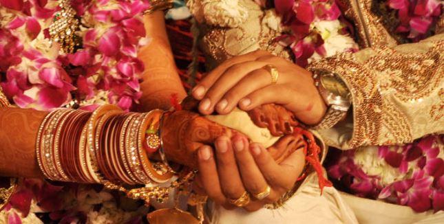 ગુજરાત સરકારનો નિર્ણય: હવે લગ્નમાં 100 અને અંતિમ વિધિમાં 50 લોકો જ એકઠા થઇ શકશે