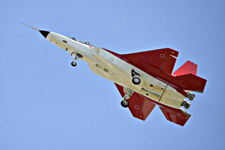 977295_1_0423-japan-stealth-plane_standard