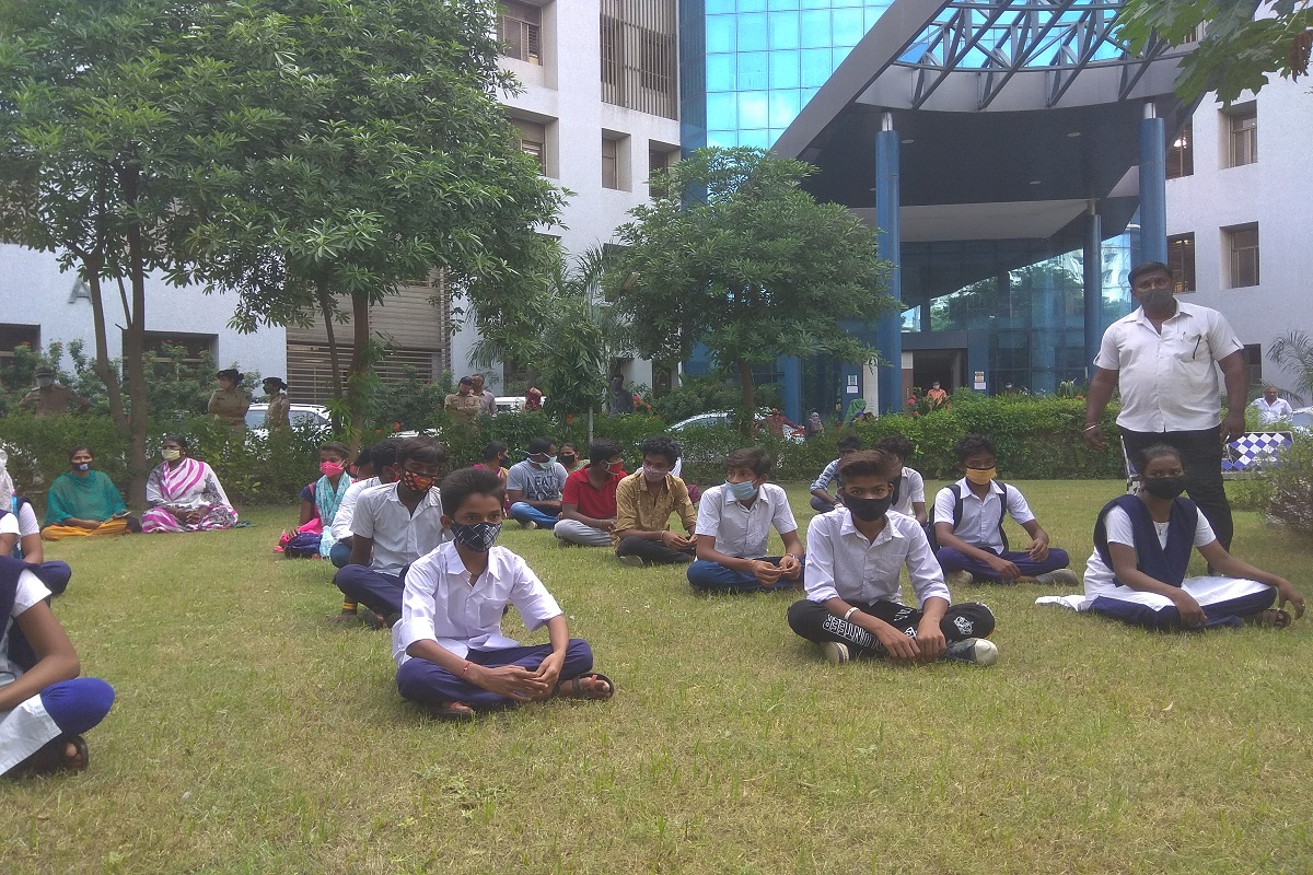 ગુજરાતમાં ધો-10 અને ધો-12નું શિક્ષણકાર્ય સોમવારથી થશે શરૂ, વિદ્યાર્થીઓનું વેલકમ કીટથી કરાશે સ્વાગત