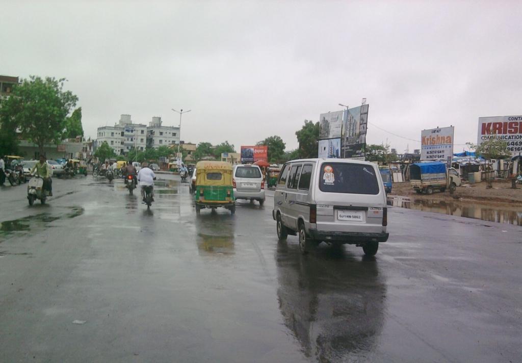 તાઉ-તે વાવાઝોડું અમદાવાદને ધમરોળીને ઉત્તર ગુજરાત તરફ આગળ વધ્યુઃ કુલ 9ના મોત