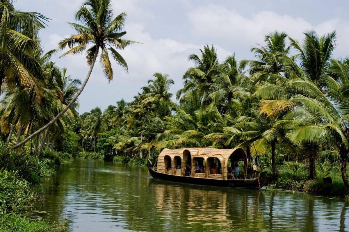Kottayam-houseboats-kerala-tourism