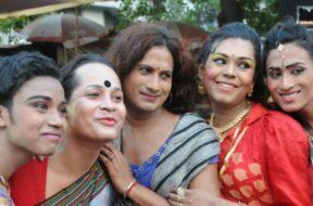 16042016-Transgenders-celebrate-Hijra-Day-transgenders-day-in-Kolkata-on-April-15-2016-840×420