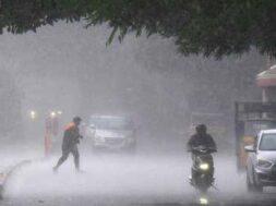 in-heavy rains (3)