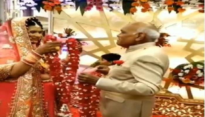 સિનિયર સિટીઝન દંપતિના લગ્નનો વીડિયો સોશિયલ મીડિયામાં વાયરલઃ લોકો કરી રહ્યાં છે પસંદ