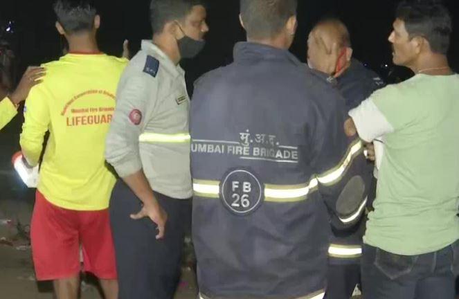 મુંબઈના વર્સોવા બીચ પર ગણપતિ વિસર્જન દરમિયાન 5 બાળકો પાણીમાં થયા ગરકાવ,2 ને બચાવાયા,3 ની શોધખોળ શરૂ