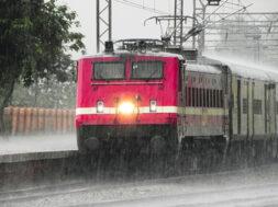 Train and Rain_Revoi