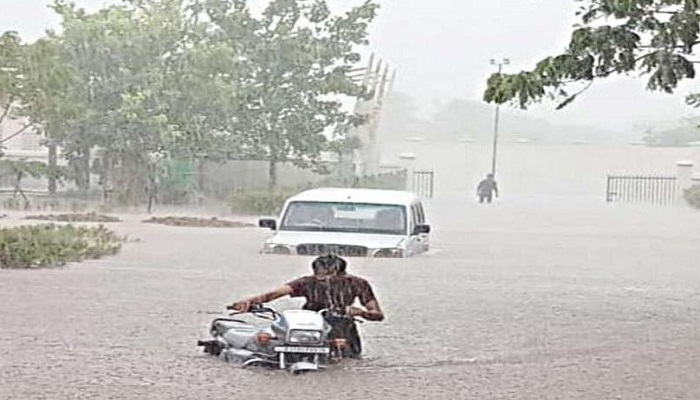 જામનગર જિલ્લામાં વરસાદે વિરામ લીધો પણ ચારેકોર પાણી જ ભરાયેલા છે