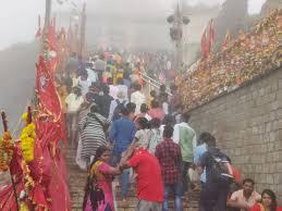 નવરાત્રીઃ-આસો સુદ આઠમના દિવસે પાવાગઢ શક્તિપીઠ ખાતે શ્રદ્ધાળુઓનો ભારે જમાવડો